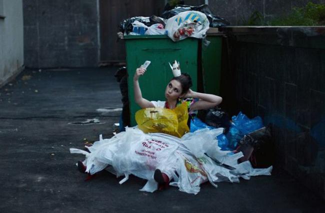 """Công chúa  """" bãi rác """"  đây rồi."""