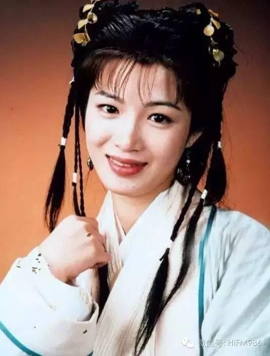 """Nàng """"Song Nhi"""" của Lộc đỉnh ký tái hôn triệu phú Ferrari - 1"""