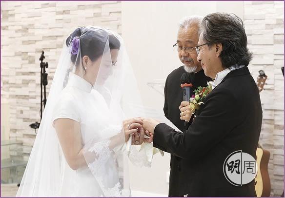 """Nàng """"Song Nhi"""" của Lộc đỉnh ký tái hôn triệu phú Ferrari - 5"""