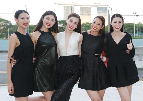 Hà Hồ du ngoạn Singapore cùng các học trò chân dài - 5