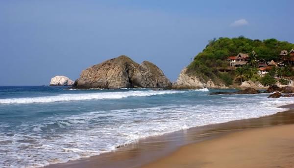 """10 bãi biển """"chết chóc"""" đáng sợ nhất thế giới - 1"""