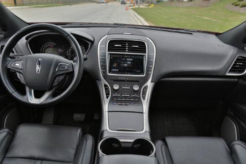 Nên chọn mua 2016 Lexus RX 350 hay 2016 Lincoln MKX? - 3