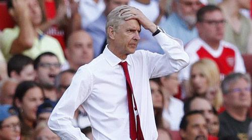 """Arsenal và Wenger bị chê """"rẻ tiền"""", """"mất trí"""" - 1"""