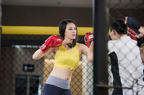 Hoa hậu VN: Người đẹp khoe dáng nóng bỏng ở phòng tập - 6