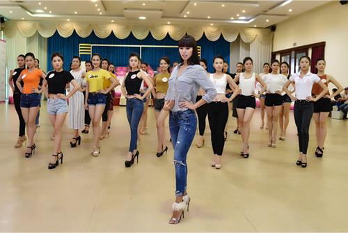 Hoa hậu VN: Người đẹp khoe dáng nóng bỏng ở phòng tập - 13