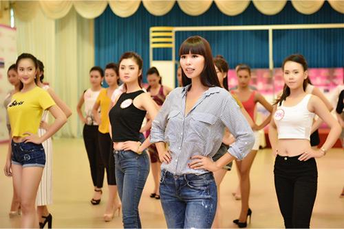 Hoa hậu VN: Người đẹp khoe dáng nóng bỏng ở phòng tập - 14