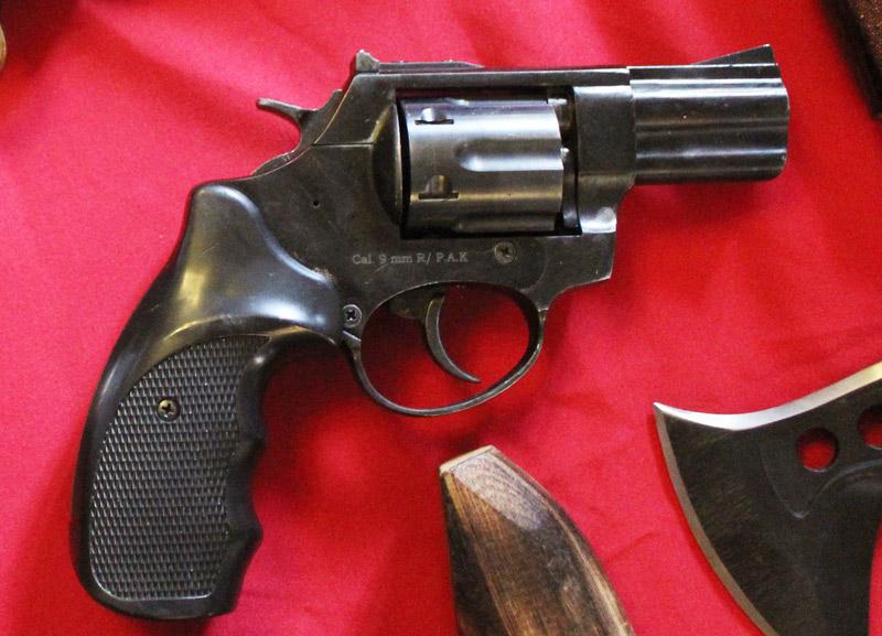 """Cận cảnh kho súng khủng của """"đại ca"""" nhóm giết người - 5"""