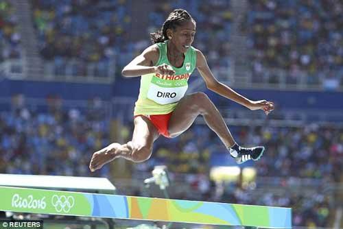 """Chạy 3000m chỉ 1 giày vẫn """"bay"""" vào chung kết Olympic - 2"""