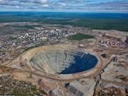 """Thế giới - Khám phá hố khổng lồ """"đẻ"""" kim cương nhiều nhất thế giới"""