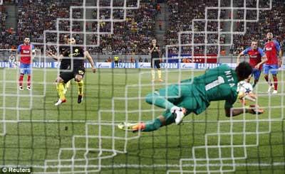Chi tiết Steaua Bucharest – Man City: Aguero lập hat-trick (KT) - 5