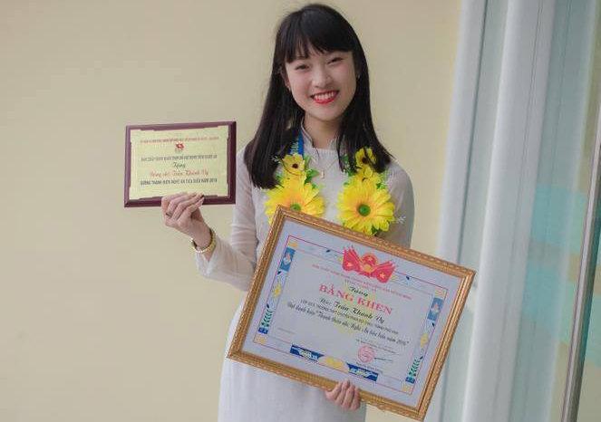 Nữ sinh nói 7 thứ tiếng đậu hai trường ĐH lớn tại Hà Nội - 2