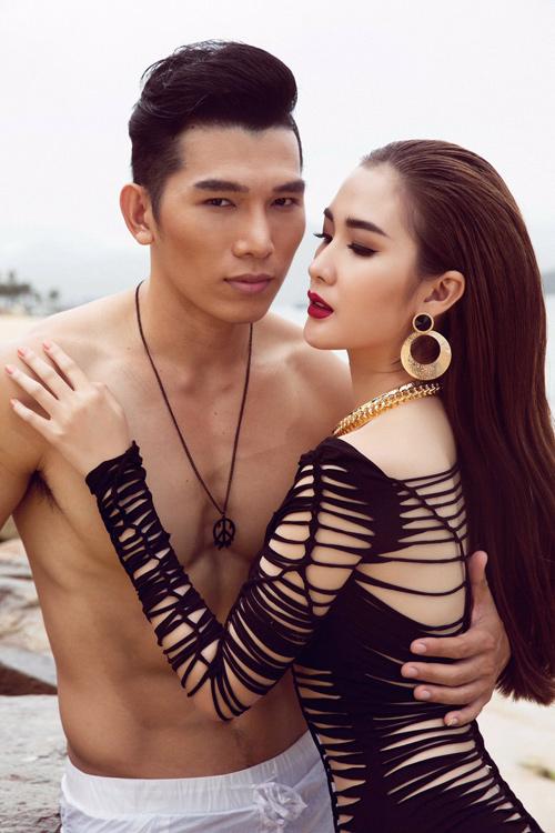 Mỹ nhân đội Phạm Hương sexy với áo tắm khoét xẻ - 10