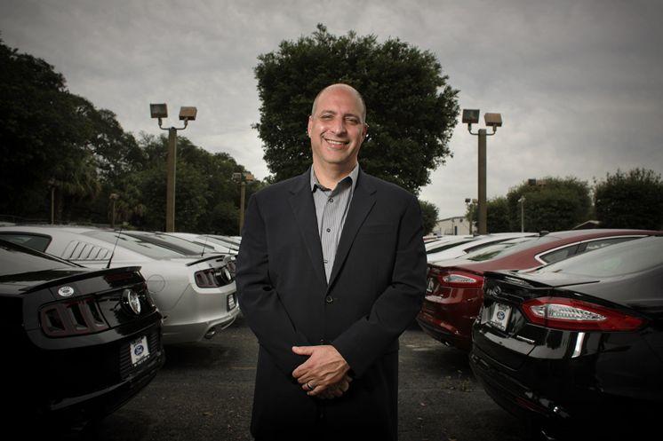 Từ nhân viên rửa xe thành ông chủ công ty trăm triệu đô - 1