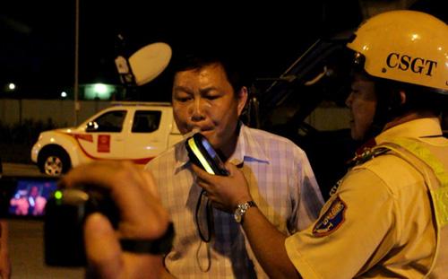"""Náo loạn đêm đầu CSGT chốt """"ma men"""" ở Sài Gòn - 5"""