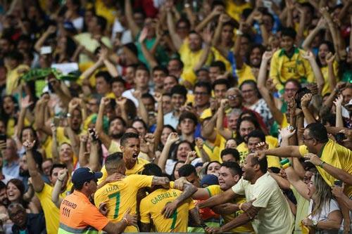 Brazil - Honduras: Chủ nhà rất gần giấc mơ Vàng - 2