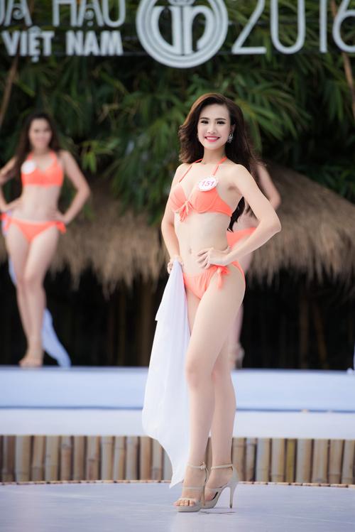Top 33 Hoa hậu Việt Nam mơn mởn với bikini - 2