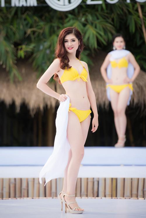 Top 33 Hoa hậu Việt Nam mơn mởn với bikini - 3