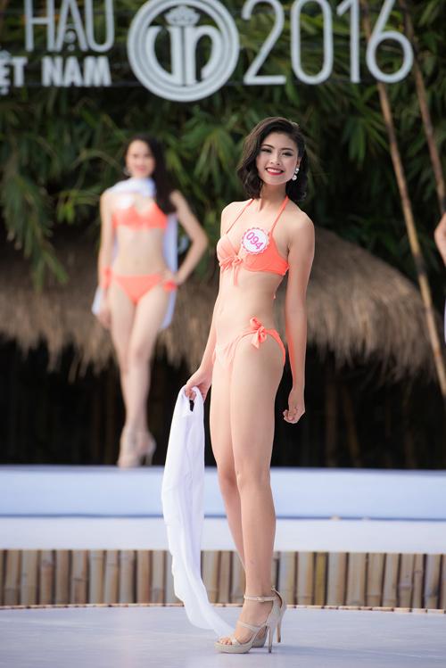 Top 33 Hoa hậu Việt Nam mơn mởn với bikini - 10
