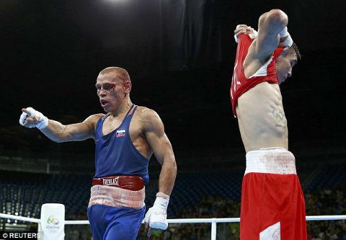 Olympic: Thua oan ức, võ sĩ bật khóc thóa mạ trọng tài - 5