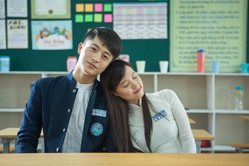 Xao xuyến trước cặp đôi học sinh Midu, Harry Lu - 2