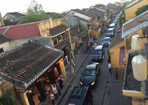 Thủ tướng xin lỗi vụ đoàn xe công vào phố cổ Hội An - 2