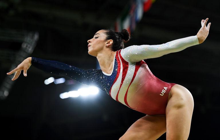 9 bí mật trang phục của vận động viên thể dục dụng cụ Mỹ - 1