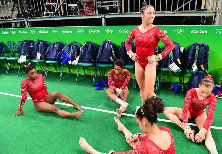 9 bí mật trang phục của vận động viên thể dục dụng cụ Mỹ - 3