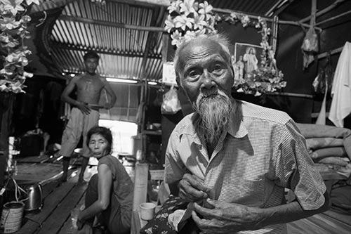 Tâm sự rớt nước mắt của ngàn Việt kiều không quốc tịch - 1