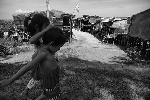 Tâm sự rớt nước mắt của ngàn Việt kiều không quốc tịch - 4
