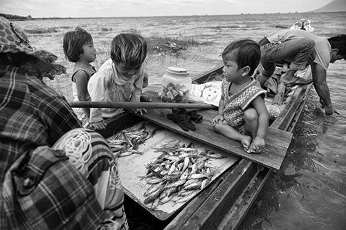 Tâm sự rớt nước mắt của ngàn Việt kiều không quốc tịch - 5