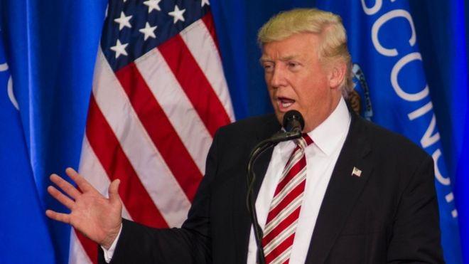 Sắp bầu cử, tỉ phú Trump bất ngờ thay đổi nhân sự - 1