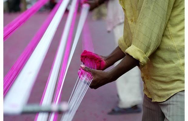 Ấn Độ: 3 người chết vì dây diều cắt cổ - 2
