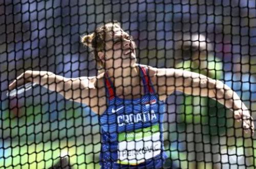 """Bà nghị sĩ Croatia làm """"tan chảy"""" Olympic Rio - 2"""