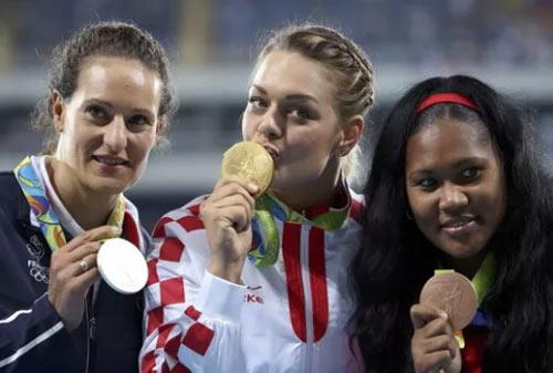 """Bà nghị sĩ Croatia làm """"tan chảy"""" Olympic Rio - 4"""