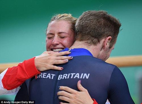 Chuyện tình đẹp của cặp đôi vàng tại Olympic Rio - 5