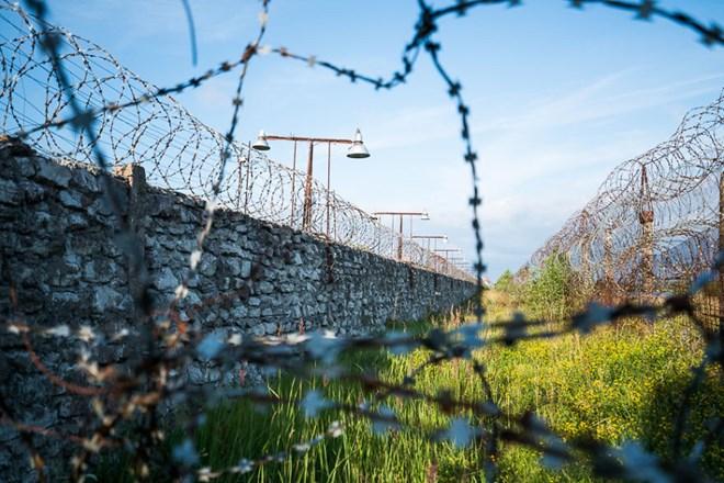Bí ẩn nhà tù chìm trong biển nước - 4