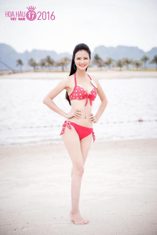 """HOT: Ảnh bikini mới """"nóng rực"""" của thí sinh Hoa hậu VN - 11"""