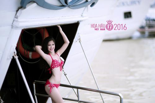 """HOT: Ảnh bikini mới """"nóng rực"""" của thí sinh Hoa hậu VN - 15"""