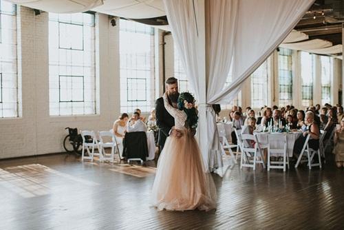 Cô dâu bị liệt 8 năm bỗng đứng dậy trong lễ cưới - 11