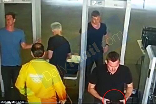 Báo án sai, đồng đội của M.Phelps đối mặt 3 năm tù - 2