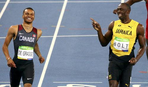 """Bái phục Usain Bolt: Chạy như đùa vẫn """"vô đối"""" - 11"""