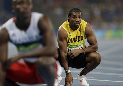 """Bái phục Usain Bolt: Chạy như đùa vẫn """"vô đối"""" - 13"""