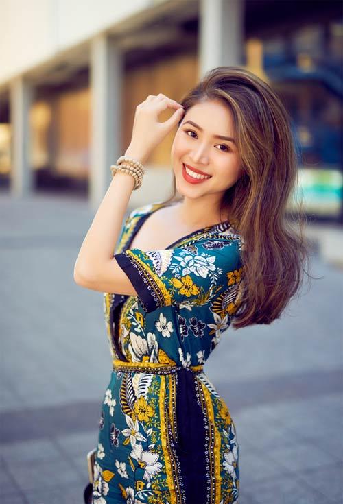 Blogger Việt không chỉ xinh như hoa hậu còn mặc đẹp - 2