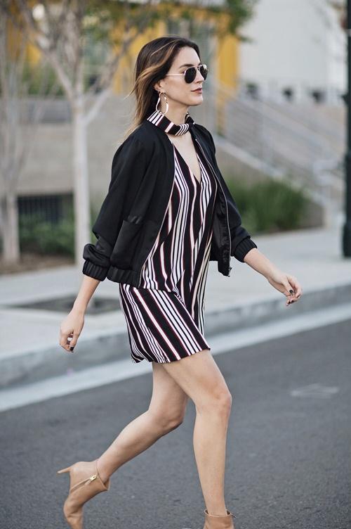 Nếu đã thích một chiếc váy kẻ, đừng chần chừ! - 2