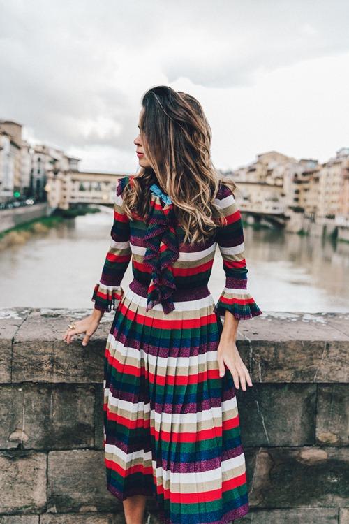 Nếu đã thích một chiếc váy kẻ, đừng chần chừ! - 13