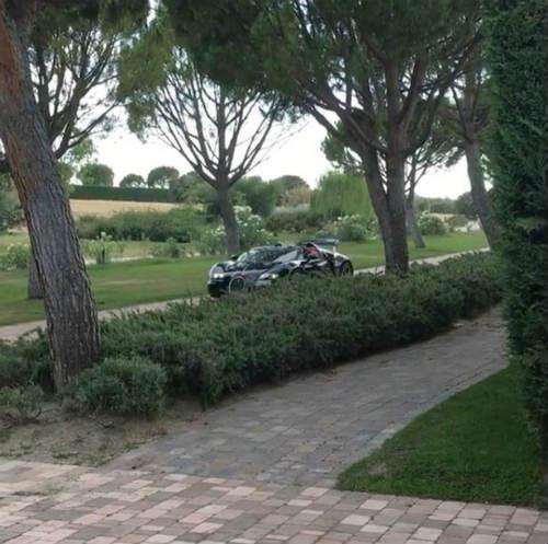 Ronaldo khoe clip lái siêu xe 50 tỷ VNĐ - 5