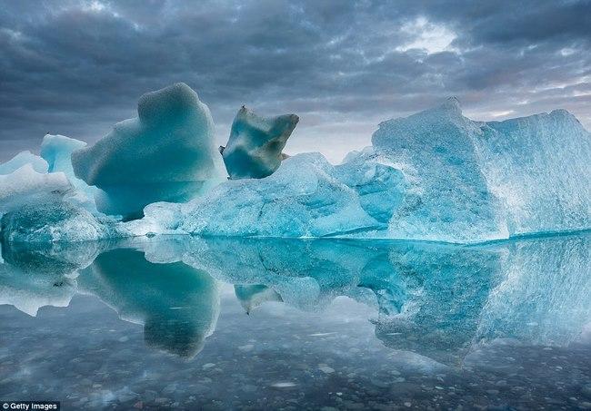 Ngắm núi băng 3 vạn năm tuổi cổ nhất thế giới - 1