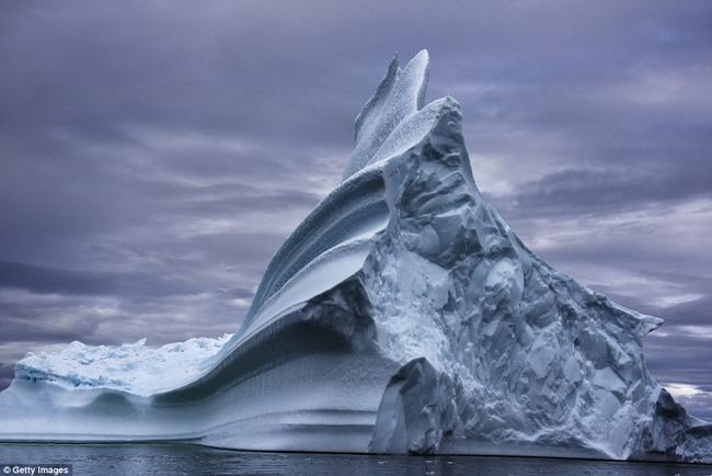Ngắm núi băng 3 vạn năm tuổi cổ nhất thế giới - 3