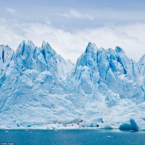 Ngắm núi băng 3 vạn năm tuổi cổ nhất thế giới - 5