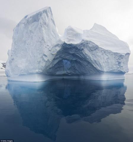 Ngắm núi băng 3 vạn năm tuổi cổ nhất thế giới - 10